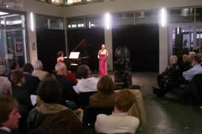 A particularly successful duo: soprano Yvonne Ji accompanied on the grand piano by her mother Yi Chen with coloratura arias by Bach, Mozart, Bellini, and Verdi